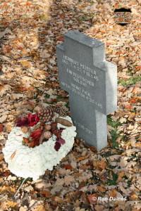 Herbert Meister grave 01 - edited